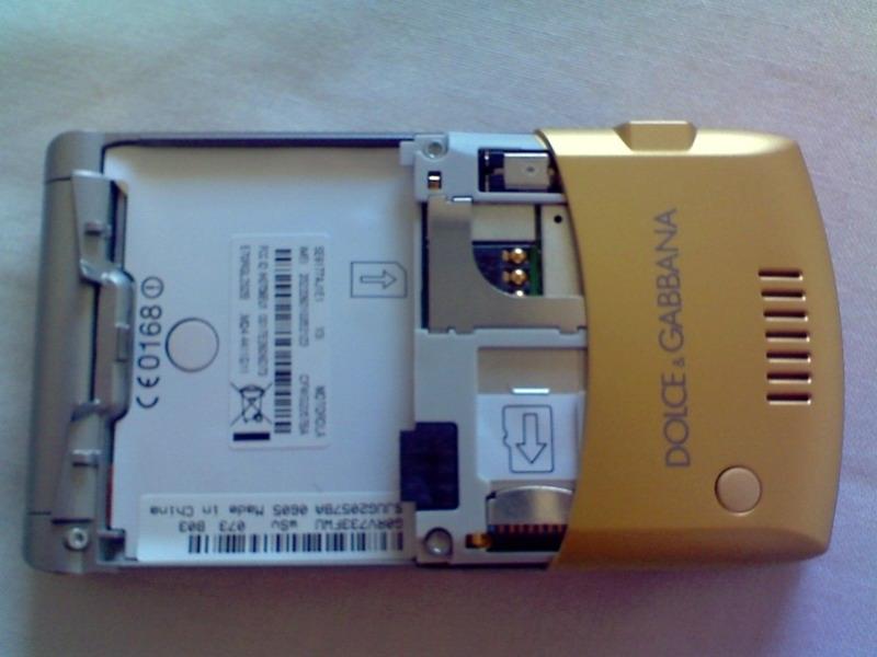 Motorola Liquid Gold RAZR V3i Dolce & Gabbana
