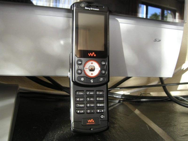 Фотографии Sony Ericsson W900i сотовый телефон фото - MobiSet.Ru