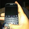 Опубликованы «живые» фотографии смартфона BlackBerry Curve 9320