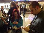 Опрос: Для 51% россиян мобильники - средство связи с семьей